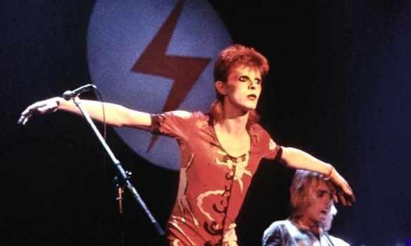 DavidBOWIE-73-live