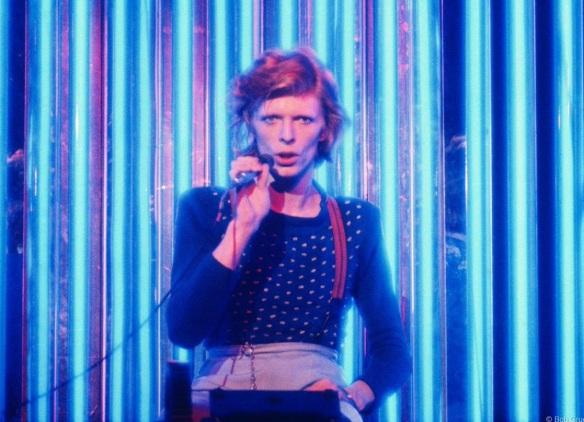 DavidBowie-1974-liveBlue