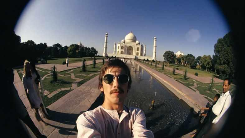 GeorgeHarrison-selfie-TajMahal