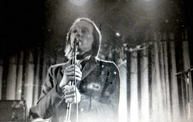Mgazine-1978-live