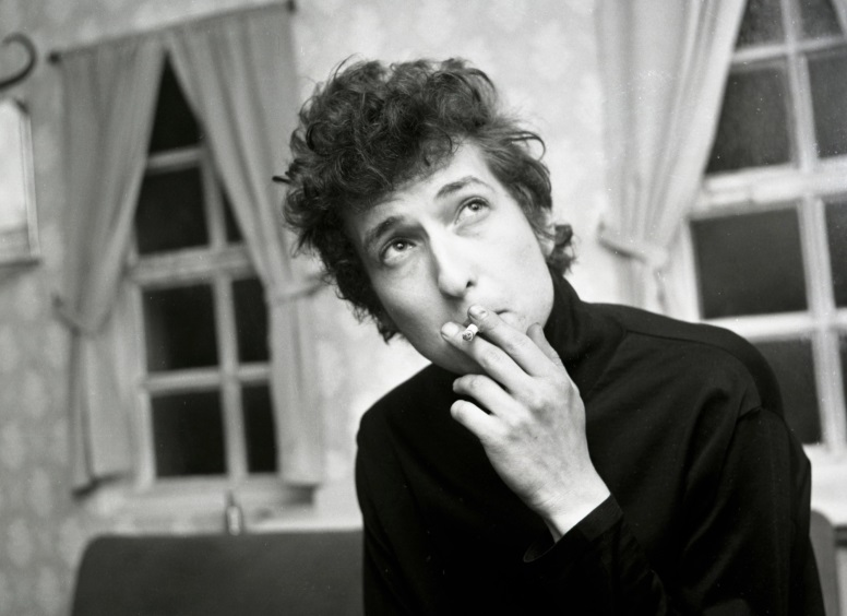 BobDylan-1965-smoking
