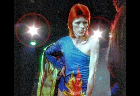 DavidBowie-1972-ZiggyStage